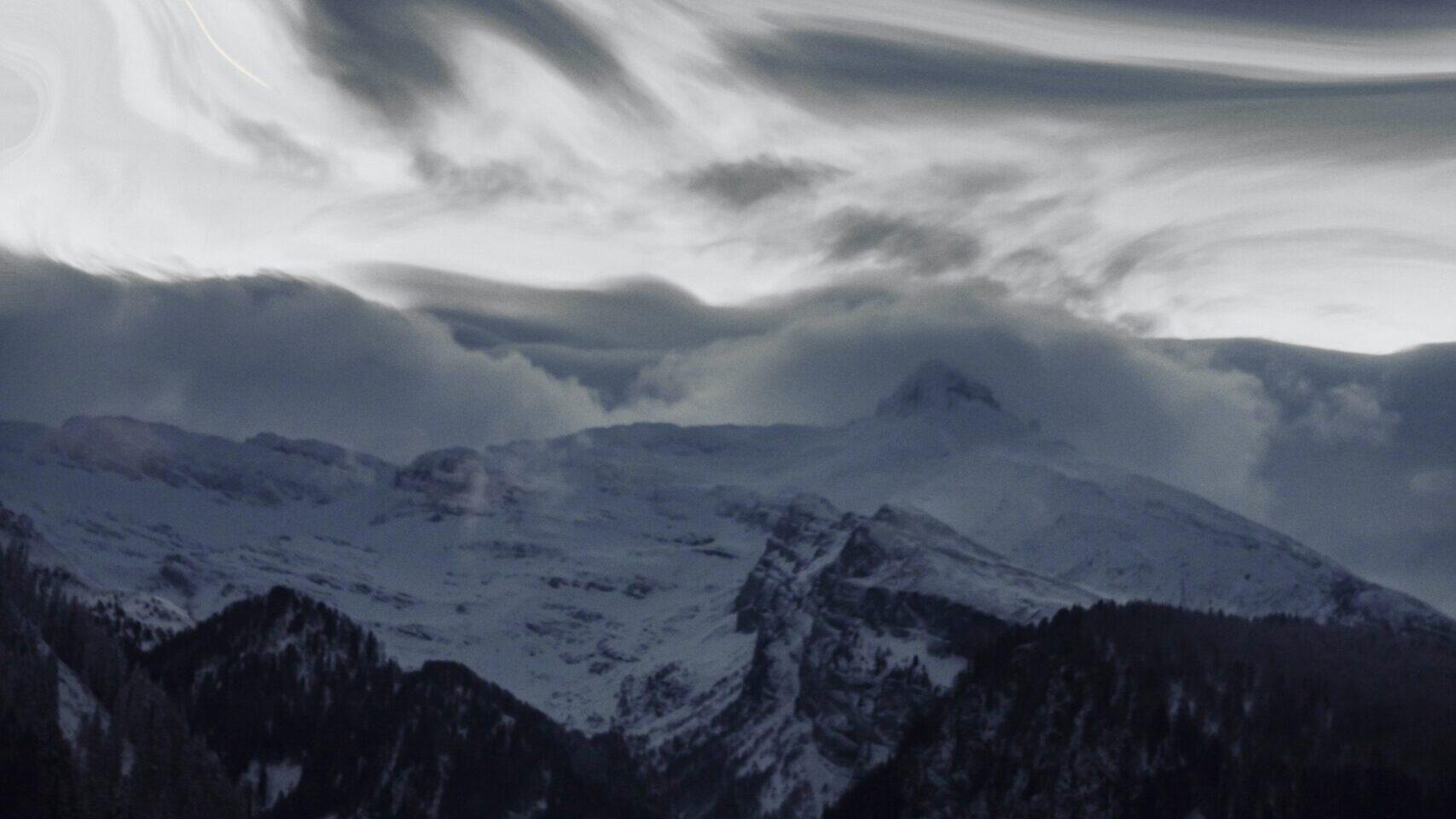 SURVIVOR AND SAVIOR - A Survivor's Diary from the Annapurna Blizzard October 2014
